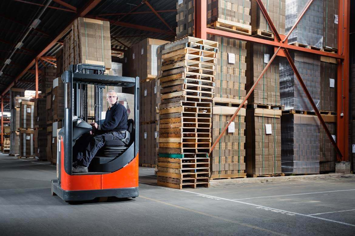 Warehousing services by Top Universe